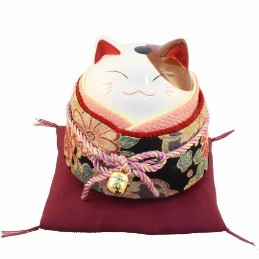 Maneki Neko - Lucky Cat With Kimono