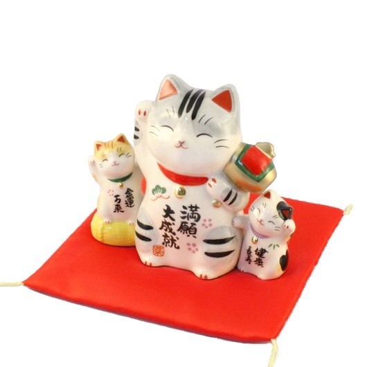 Maneki Neko - 3 Lucky Cats - Bringing Money & Success