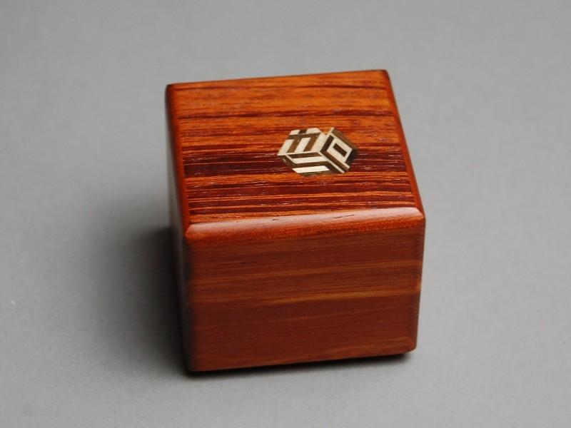 KARAKURI SMALL CUBE BOX #4